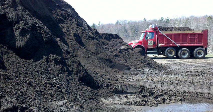 Muskegon Whitehall Fruitport Michigan Driveway Construction High Quality Sand Topsoil Stone Delivery
